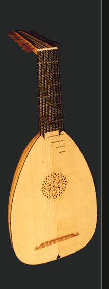 Full view of an 8-course Renaissance lute